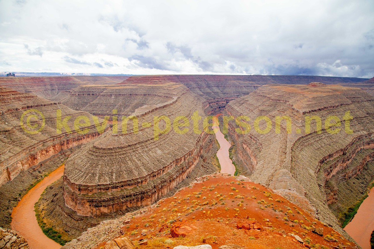 Goosenecks State Oark, Utah, The meandering San Juan River. snakes its way through the Stae Park.