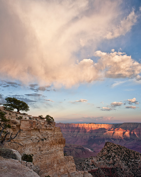Royal Virga<br /> <br /> Timid drops evaporate before showering down upon Freya Castle and the rim of the canyon<br /> Cape Royal, Grand Canyon National Park, Arizona, USA