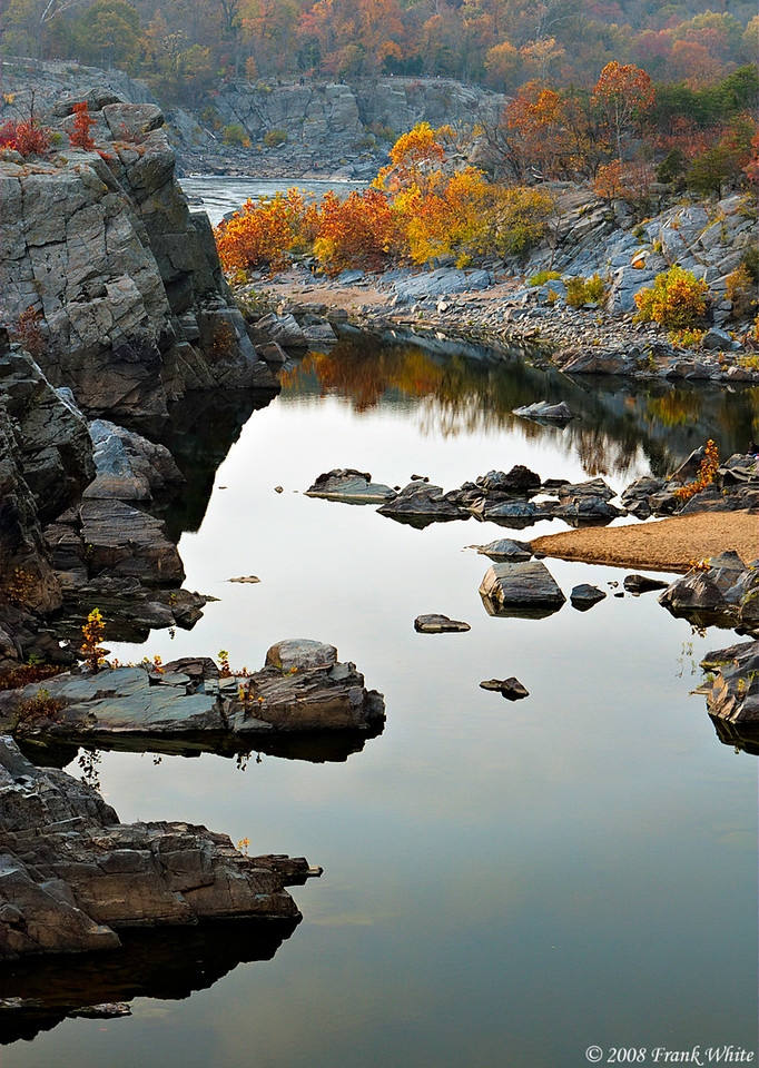 Fall colors at Great Falls #4