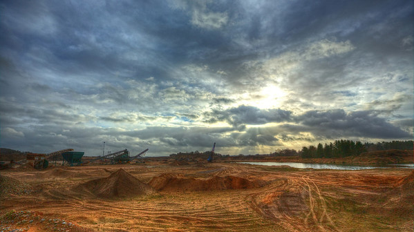 Vu over grusgraven, tonemapped