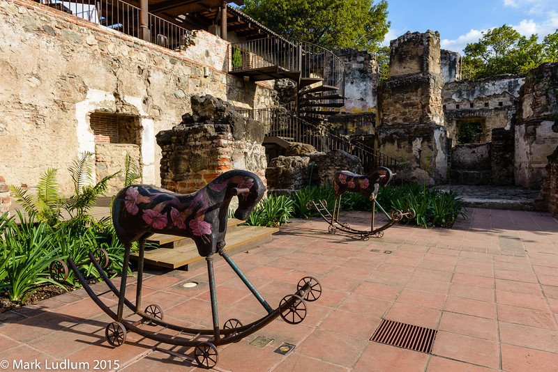 Casa Santa Domingo Toy Horses 03-2015