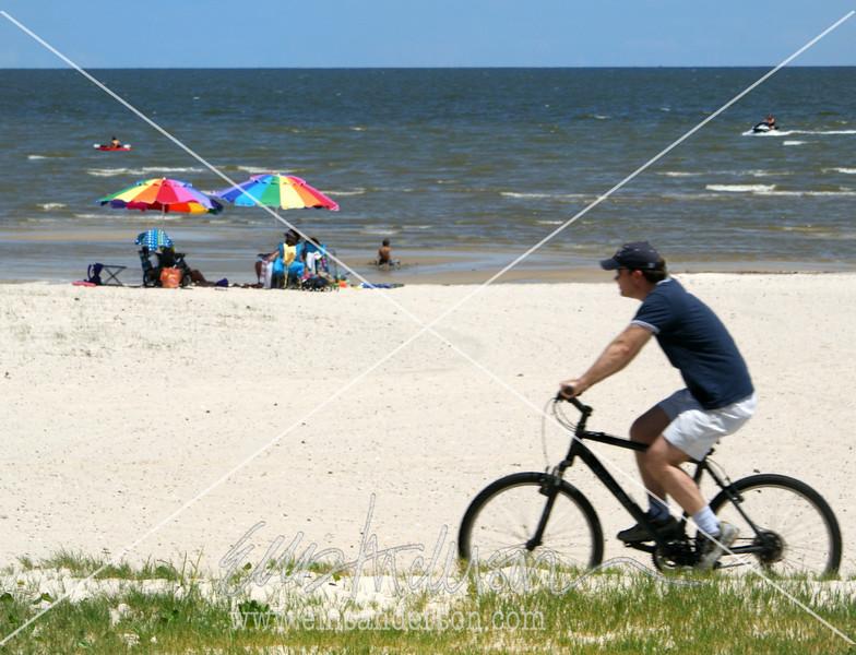 12  beach biker 5439