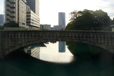 Hama-Rikyu detached garden moat, Tokyo, Nov. 2007
