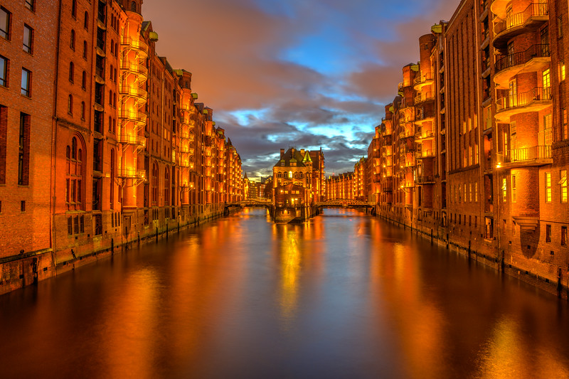Wasserschloß_ Speicherstadt-Night_photography-Hamburg-Germany-Deutschland-DSC5398