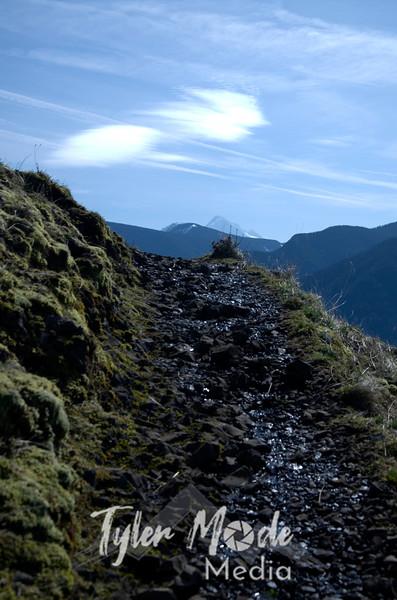 47  G Hood and Trail Wide V