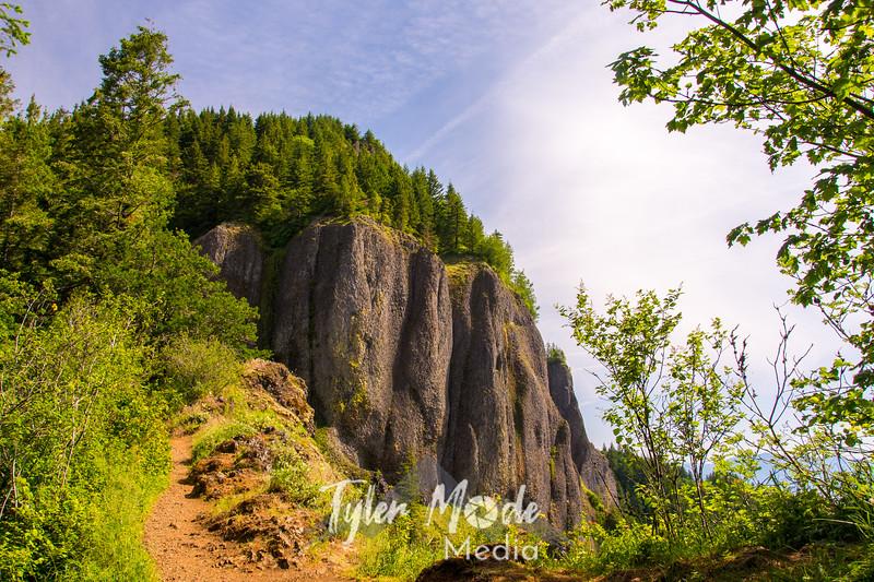 26  G Hamilton Mountain Cliffs