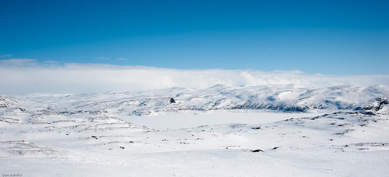 Sysendammen sett fra vest, og fjella østafor. Påske 2012