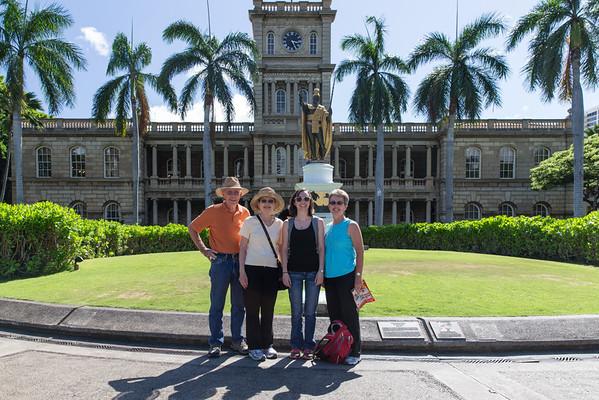 King Kamehameha Statue in front of Aliiolani Hale, Honolulu, Hawaii