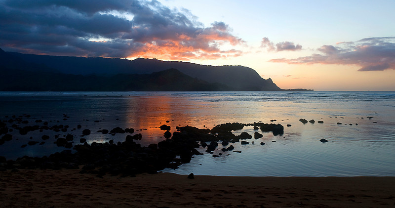 Kauai  -  Hanalei Bay at sunset
