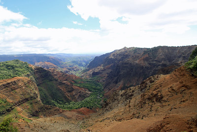 Waimea Canyon as seen from the Pu'uhinahina Overlook.