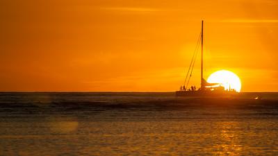 Sunset at Ala Moana Beach Park, Honolulu, O`ahu