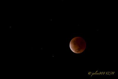LunarEclipseB121011