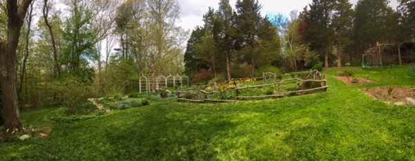 #7<br /> Long Hill<br /> 1.83 miles<br /> Beautiful gardens transposed with soggy lowlands to provide an adventurous walk.