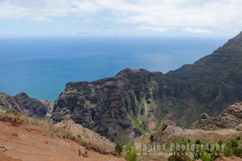 Views Along the Nu'alolo Ridge
