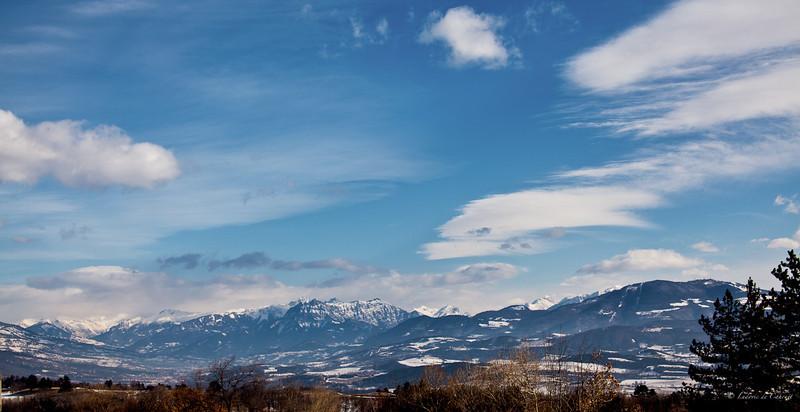 Sur le route de Gap - Massif des Ecrins - Hautes Alpes - France