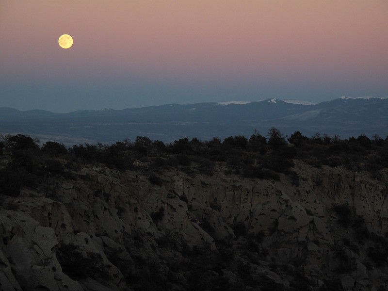 2009 Nov 2: moonrise over the Sangre de Cristo mountains