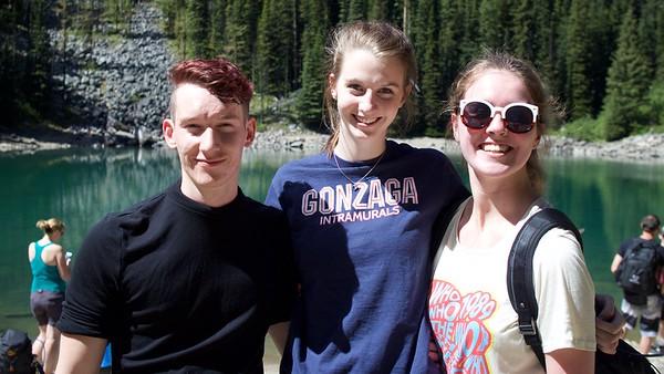 Hugh, Nikki, Jenna Teahuts