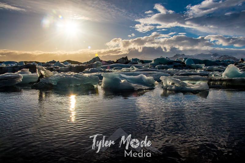 222  G Glacier Lagoon Wide