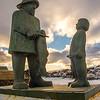 664  Statue