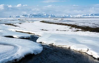 Roadside en route to glacial lagoons