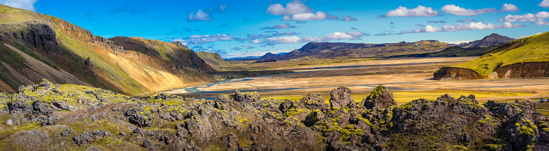 Moutain Range in Landmannalaugar_pan