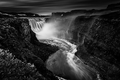 Dettifoss waterfall seen from the eastern edge