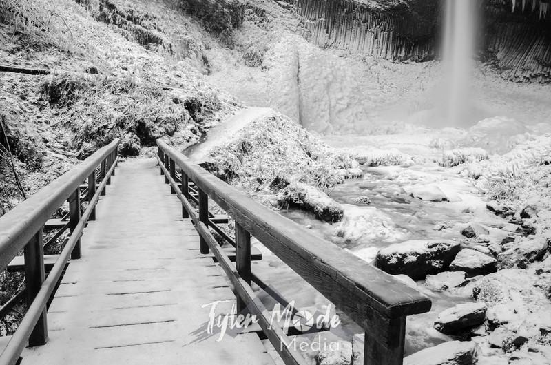 25  G Latourell Falls Bridge BW