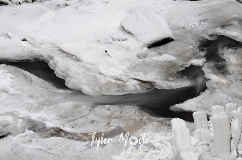33  G Latourell Falls Creek