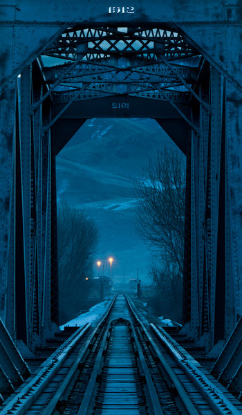 Blue Morining Bridge.