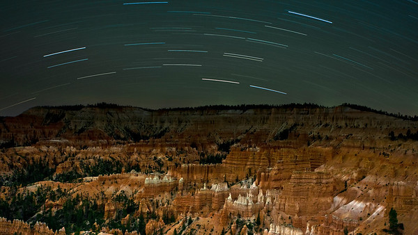 Bryce Canyon from Sunrise Point under 30 minute star trails - no moon.