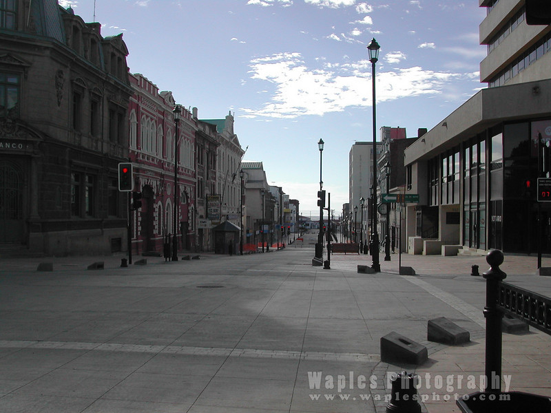 N4500 Deserted downtown Punta Arenas (New Year's Day)-145