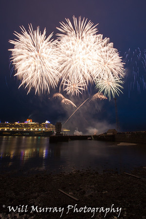 Greenock Fireworks QM2 May 2015