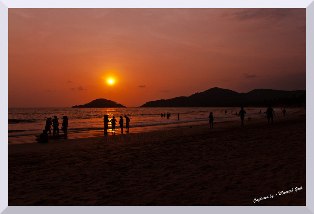 Calm! Palolem Beach at Sunset time!