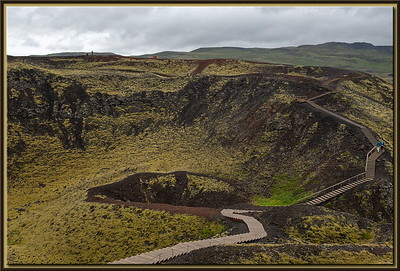 Trail along the crater rim