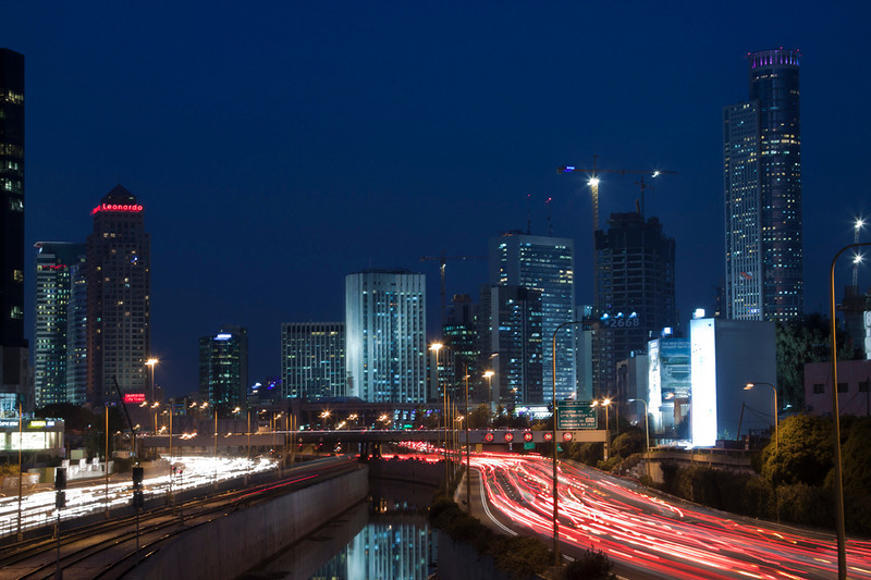 Tel Aviv by night, Ayalon highway