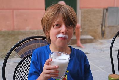 DSCF5236-Noah's Milk Mustache