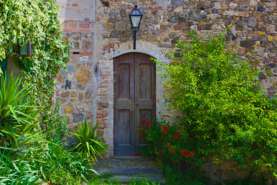Rignana Doorfront