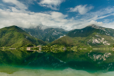 Very wide view of Mezzolago on lake Ledro