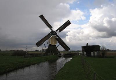 De Groenendijkse Molen te Hazerswoude-Rijndijk.