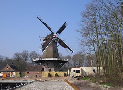 """Molen """"De Hoop"""" korenmolen Nijkerk. Type 8-kante stellingmolen. Anno 1888"""