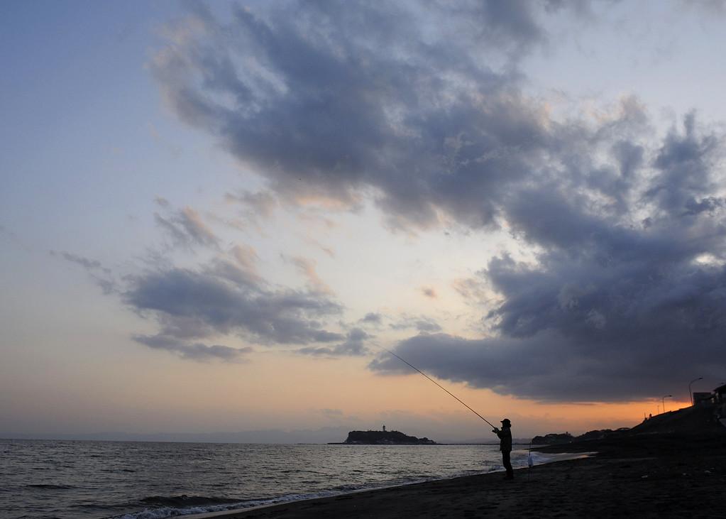 Shichirigahama at dusk.