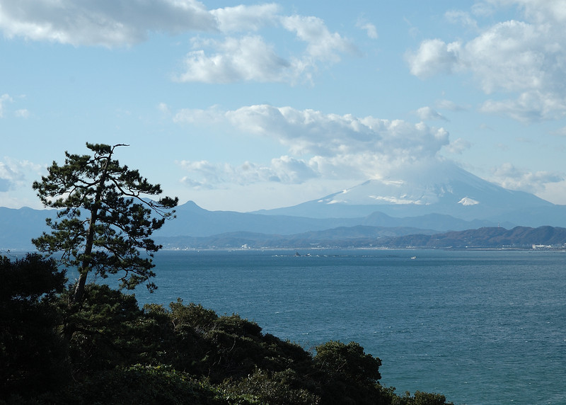 A view from the western side of Enoshima.
