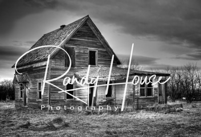 Abandoned farmhouse near Moore, MT