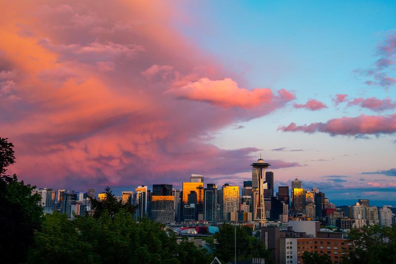 Kerry Park Sunset With Mammatus Clouds - Kerry Park, Seattle, WA