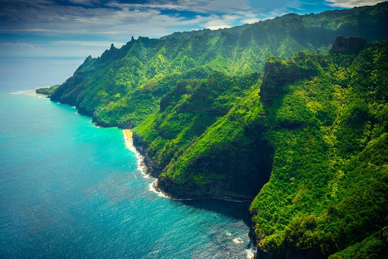 The Tropical Lush Greens Of Na Pali - Na Pali Coastline, Kauai, Hawaii