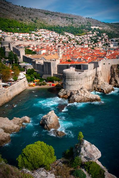 Overhanging Cliffs Looking Over The Old Town Of Dubrovnik - Dubrovnik, Croatia