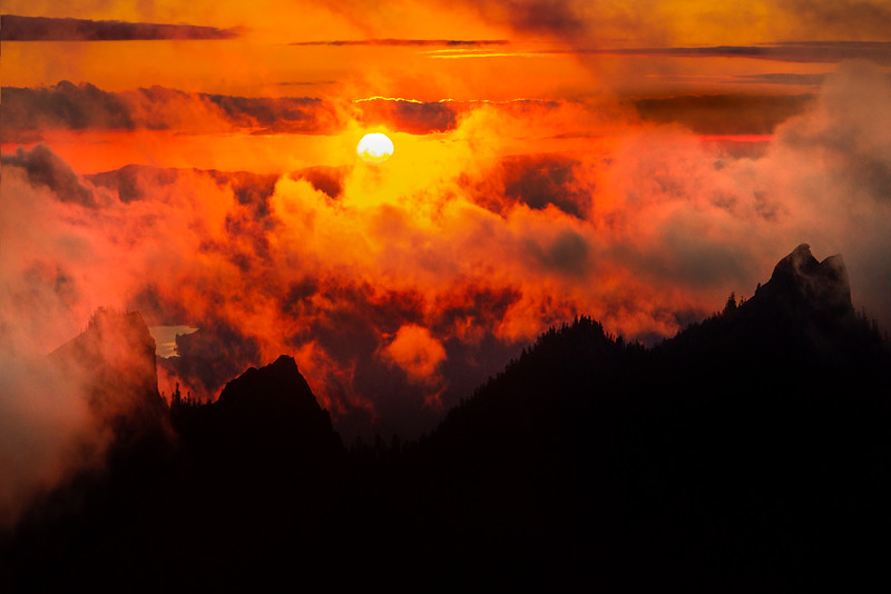 Sunset With Cascade Peaks In Silhouette - Mount Rainier National Park, WA