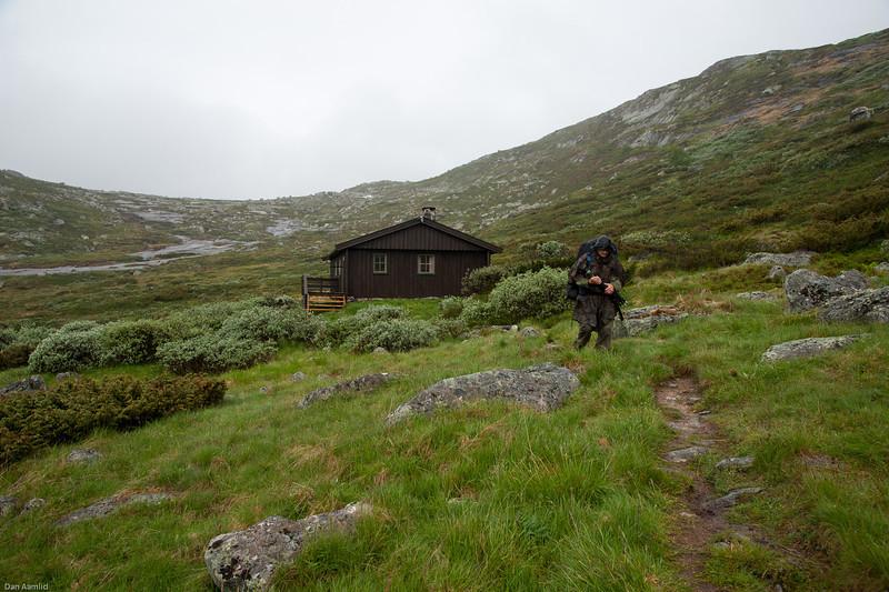 På veg fra Stordalsbu -  regntung morgen