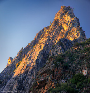 Rugged mountain Peak in Kings Canyon, Sequoia National Forest