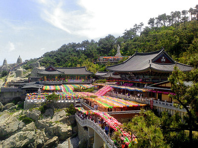 The Haedong Yonggungsa Temple in Busan.  17 May 2013